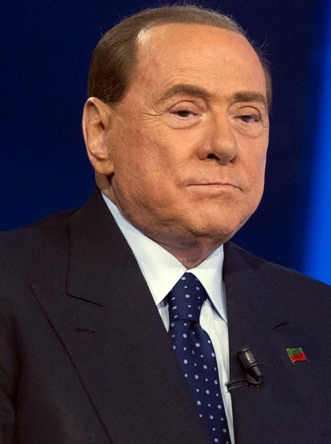 """Berlusconi & Lavinia Palombini, la Pascale legge la notizia sul Fatto e distrugge un quadro. """"Devi smentire tutto"""""""