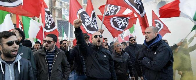 Casapound, concertone delle band nere a Roma: inni a Salò e cinghiamattanza