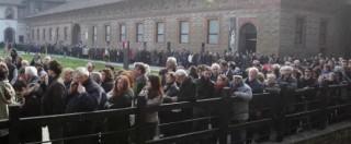 """Umberto Eco, funerali laici al Castello Sforzesco di Milano. Pisapia: """"Sei e sarai l'orgoglio dell'Italia"""" (FOTO)"""