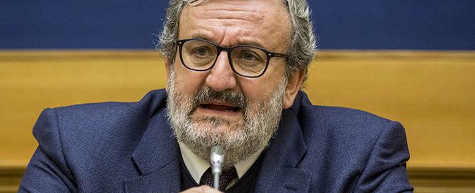 """Trani, busta con proiettili al sindaco Bottaro. Emiliano: """"Fare chiarezza"""""""