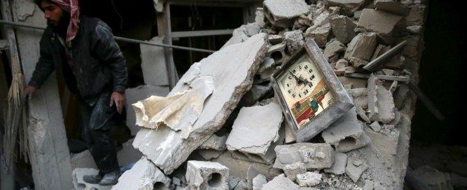 Siria, autobomba Is a Damasco: '10 morti'. Turchia: 'In arrivo 70mila profughi'