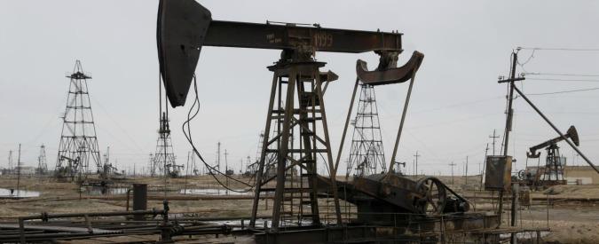 """Petrolio, Iran """"appoggia"""" congelamento della produzione ma non spiega se aderirà. Barile in forte rialzo"""