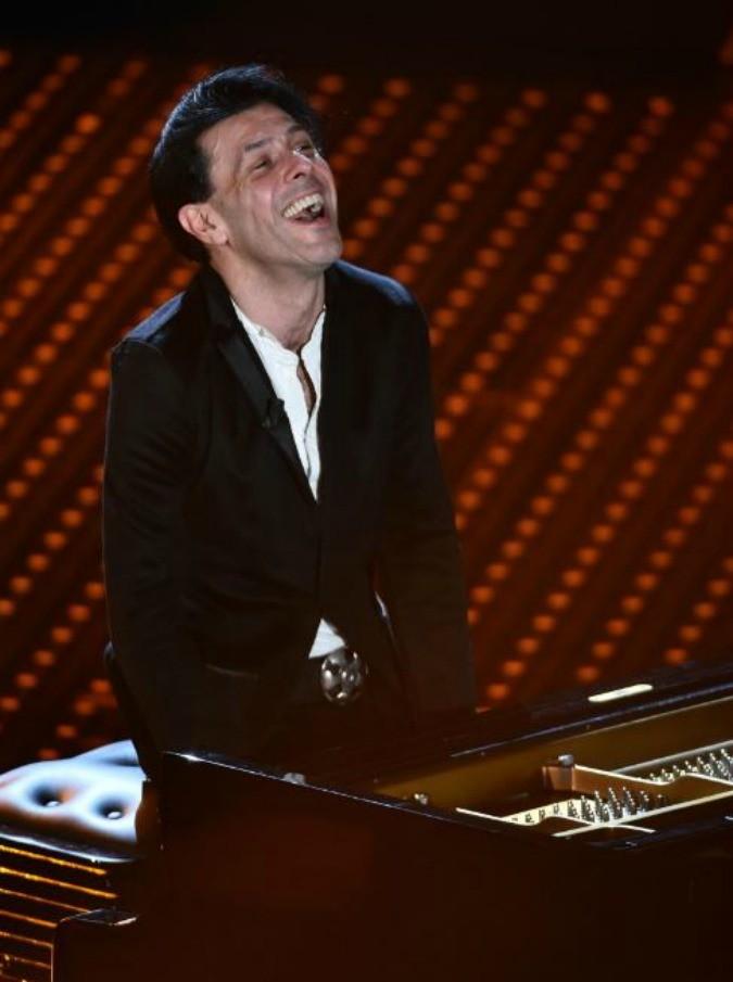 Ezio Bosso: chi è il pianista che ha emozionato il Festival di Sanremo. Nessuna retorica per un talento vero (oggi primo su Itunes)