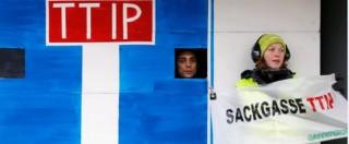 Ttip, a Bruxelles al via il dodicesimo round di negoziazioni Usa-Europa. Greenpeace protesta