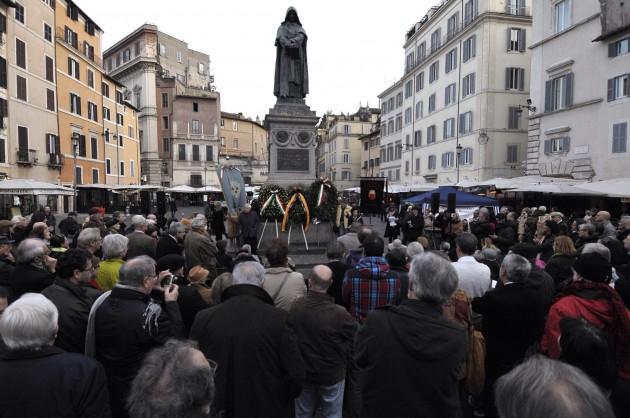 Cerimonia-convegno in onore di Giordano Bruno a Roma