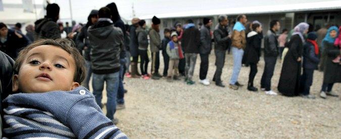 """Migranti, vertice Ue su frontiere chiuse: """"Risultati in 10 giorni o rischio collasso"""". Grecia richiama ambasciatore a Vienna"""