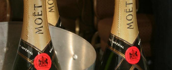 Padova, falso Moet&Chandon: oltre 9mila bottiglie e 40mila etichette sequestrate