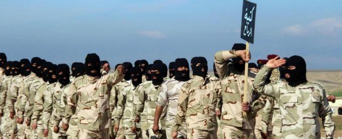"""Iraq, fonti locali: """"Massacro a Mosul: 300 tra civili e soldati giustiziati dai jihadisti. Uccisi anche donne e bambini"""""""
