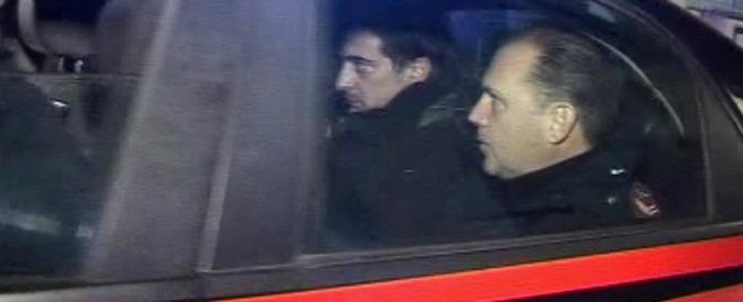 """Donna bruciata viva a Pozzuoli, l'ex confessa: non accettava che avesse un altro. Medici: """"Condizioni critiche"""""""
