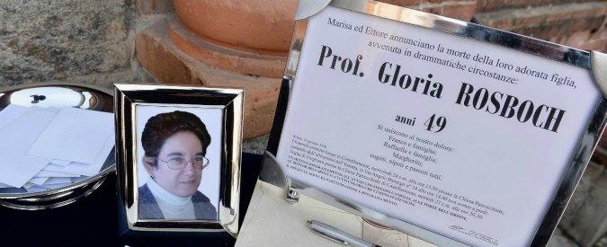 Gloria Rosboch, funerali a Castellamonte. I misteri di Defilippi e dell'amante: la fidanzata, una pistola e i soldi falsi
