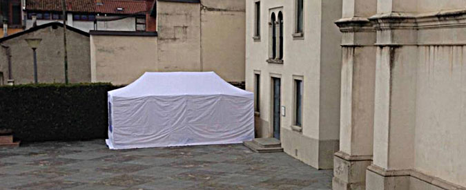 """Bergamo, Quaresima in tenda per quattro preti: """"Fare di più per i profughi"""""""