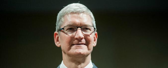 """Strage di San Bernardino, Cook all'Fbi: """"Sbloccare iPhone? Equivalente a inserire un cancro"""""""