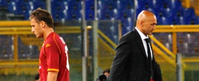 """Roma, Luciano Spalletti non convoca Totti e i tifosi fischiano il tecnico. Il capitano giallorosso: """"Futuro? Vedremo"""" – Video"""