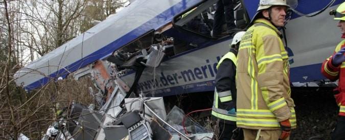 Scontro treni in Puglia, le priorità distorte della politica dietro i ritardi nella messa in sicurezza della linea