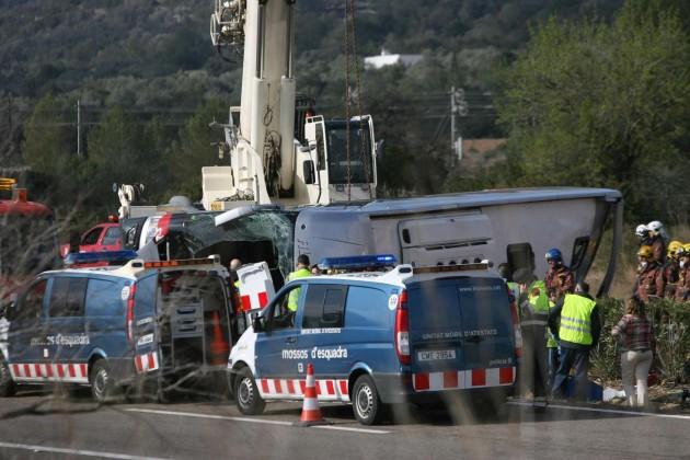 Spagna, si schianta bus di studenti a Tarragona
