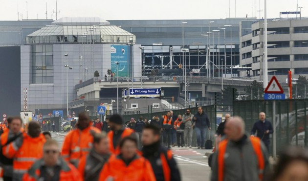 Bruxelles, due esplosioni all'aeroporto di Zaventem: evacuato l'edificio