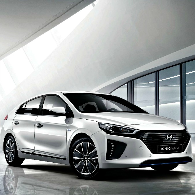 Hyundai Ioniq vince il premio Red Dot 2016 per il design – VIDEO