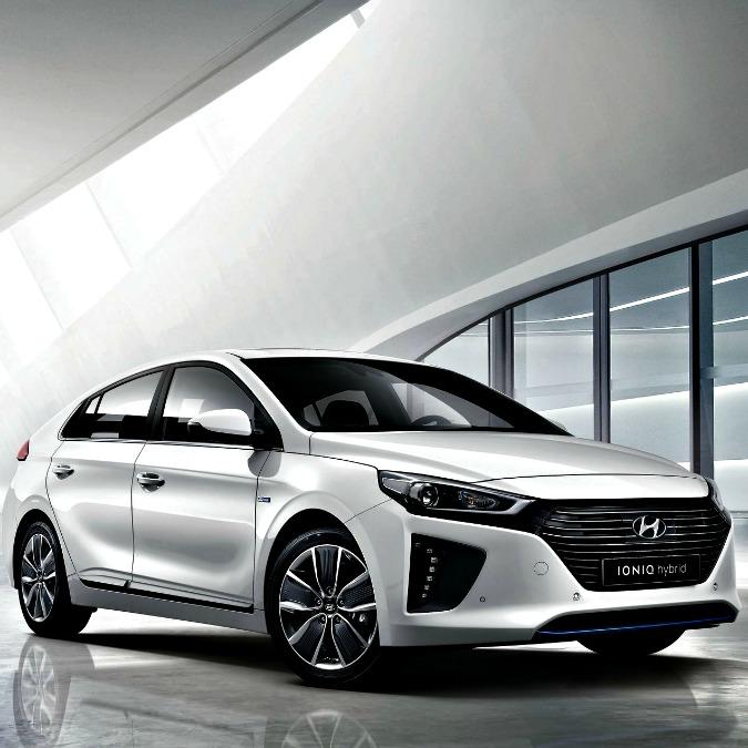 Hyundai Ioniq vince il premio Red Dot 2016 per il design – VIDEO