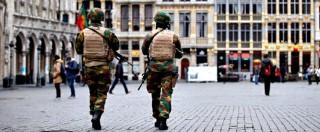 """Attentati Bruxelles, report: """"Intelligence belga liquefatta, non riesce a gestire informazioni"""". E polizia attacca il ministro"""