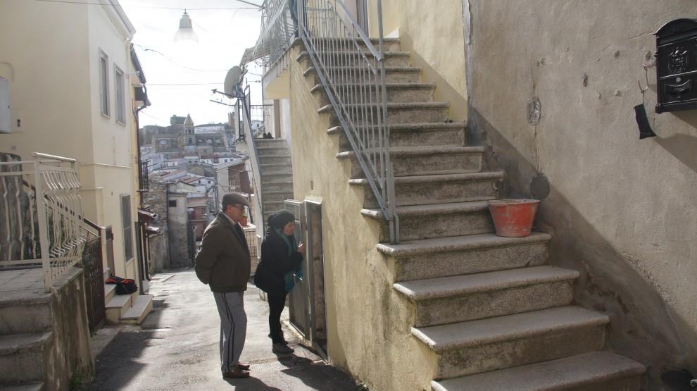 Casa abusiva no solo la scala per entrarci giudici - Chiusura scale esterne ...
