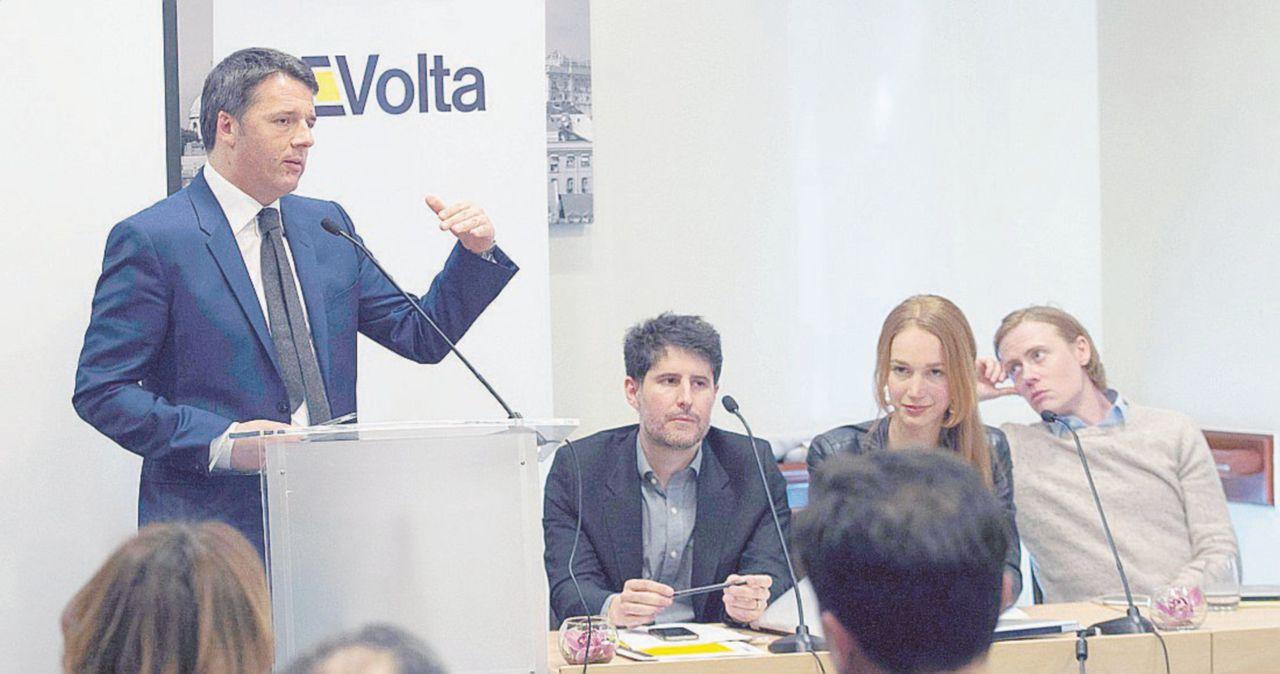 """Da Empoli al mondo: la """"Volta"""" di Renzi a lezione"""