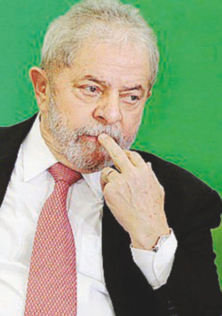 Lula, confermata la nomina a ministro ma il governo si spacca