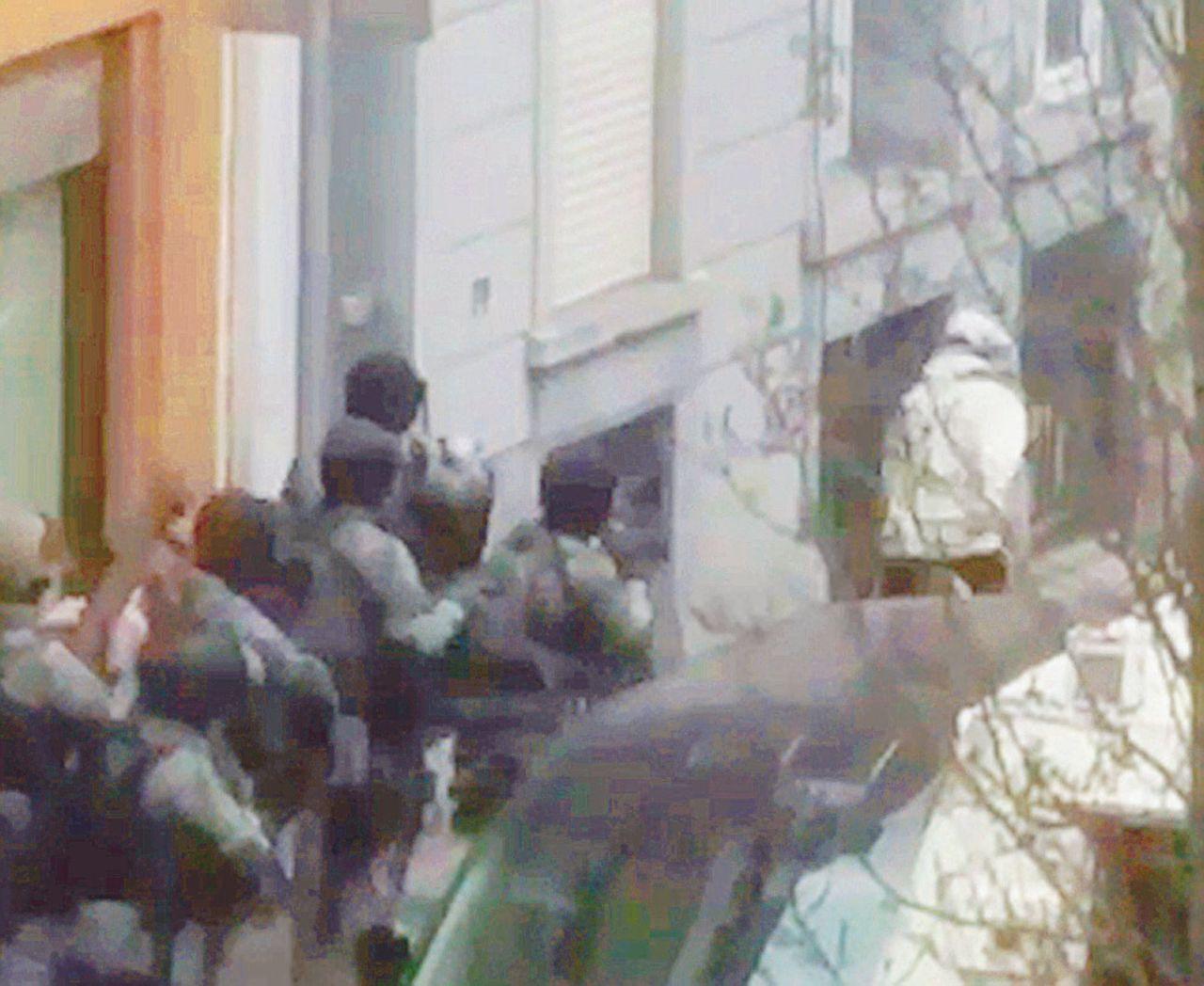 """La """"pedina"""" Abdeslam tra l'avvocato-star e i segreti dei terroristi"""