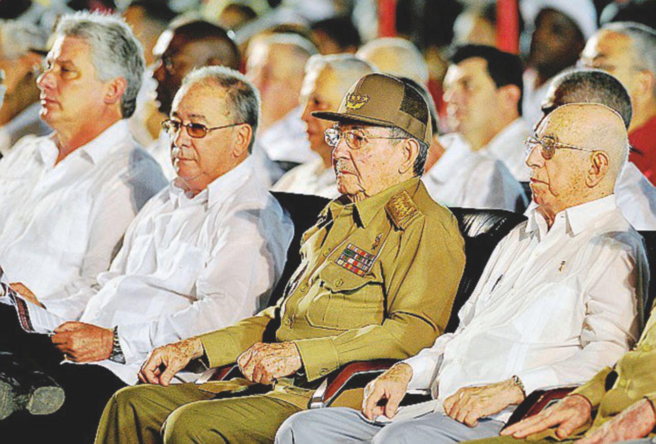 Adiós compañeros,  il partito unico è  storia: come la rivoluzione