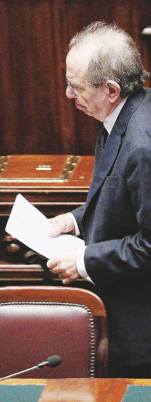 "Indennizzi, Etruria, Cdp e Mps  Il ""kamasutra  Padoan"" con l'Ue"