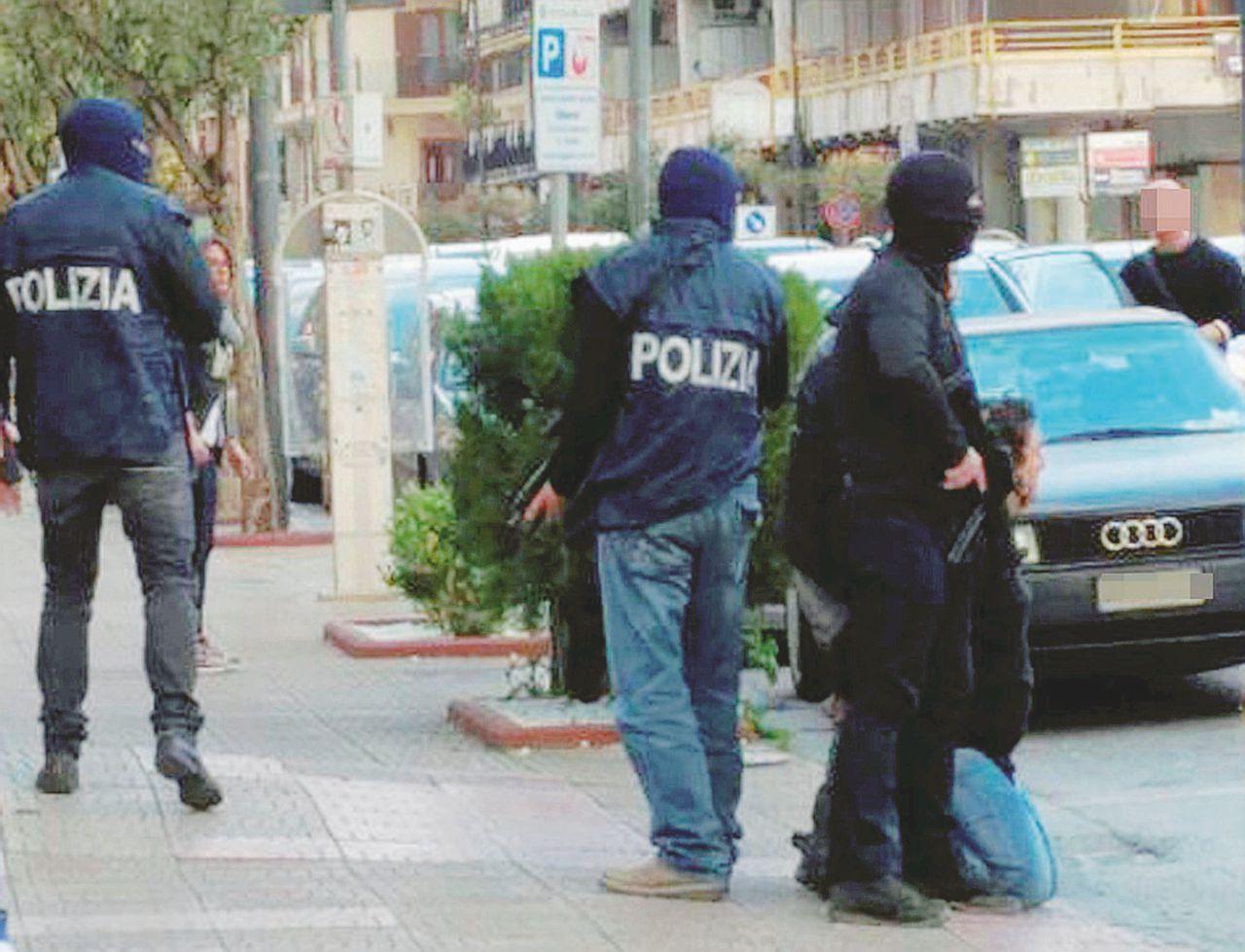 Viaggi, documenti e soldi: le vie dell'Isis tra Italia e Belgio