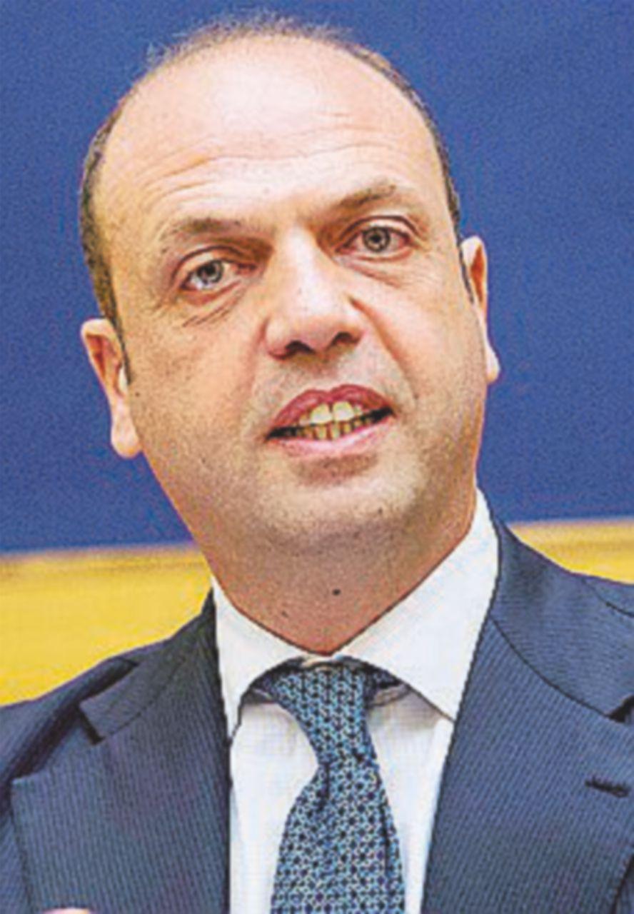 """Alfano: """"Si vota il 5 giugno, se ponte Italia fuori da crisi"""""""