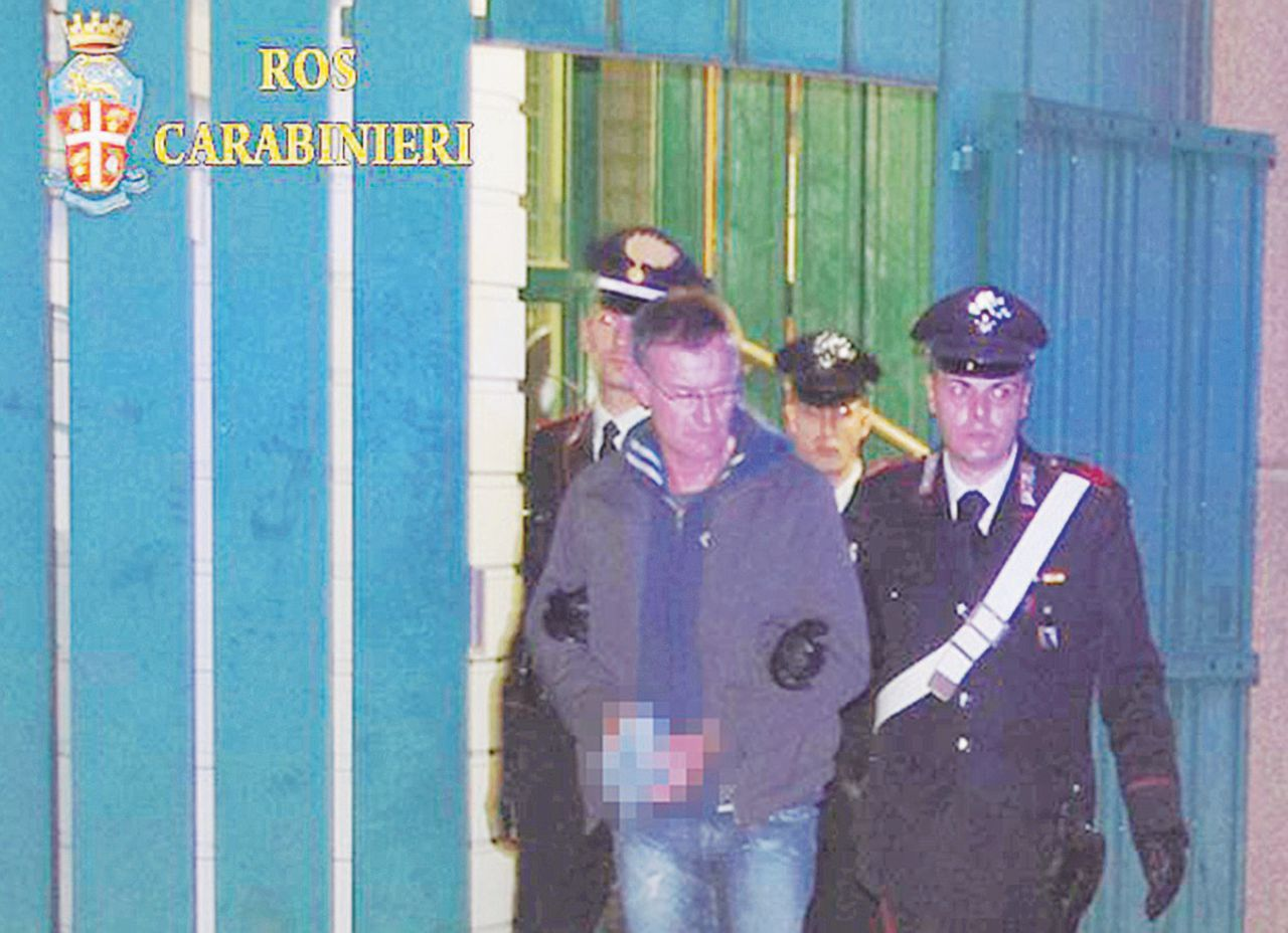 """Gli agenti """"spie"""" del Nero mai trovati dalla polizia"""
