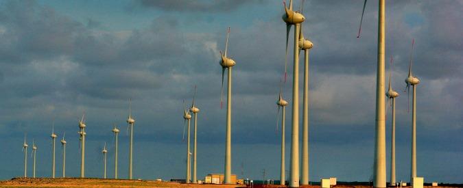 """Energia, Greenpeace: """"Renzi rottama le sue idee e affossa le rinnovabili per fare spazio ai combustibili fossili"""""""