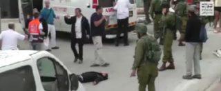 Hebron, video choc: soldato israeliano spara in testa all'accoltellatore palestinese ferito a terra