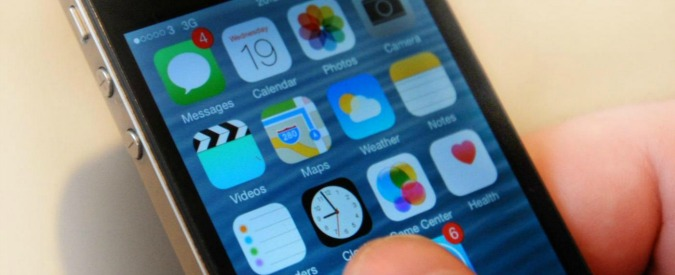 """Apple, l'Onu si schiera contro l'Fbi: """"Violare l'iPhone? E' contro i diritti umani. Come aprire vaso di Pandora"""""""