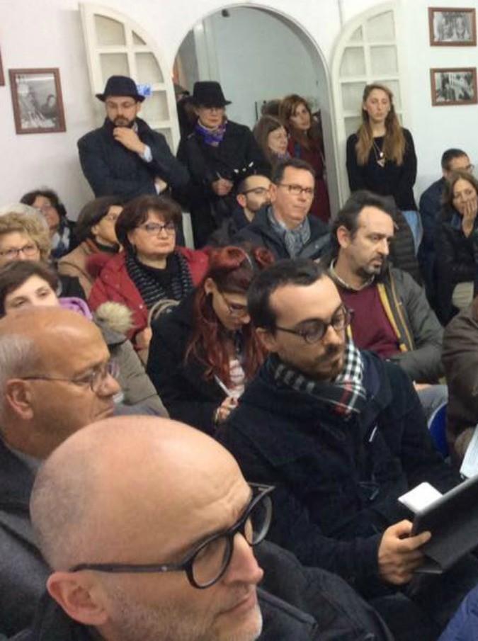 """Università di strada a Lecce, al via le lezioni di economia e scienze politiche aperte a tutti. """"Risposta alla post democrazia"""""""