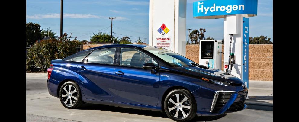 Auto a idrogeno, la Toyota Mirai ha concluso i test ed è pronta. Ma l'Italia ancora no