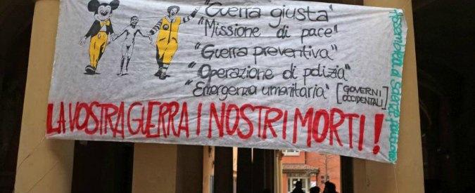 """Panebianco, nuovi blitz dei collettivi a Bologna. Attivisti pedinano guardie giurate: """"Via le ronde dall'Università"""""""