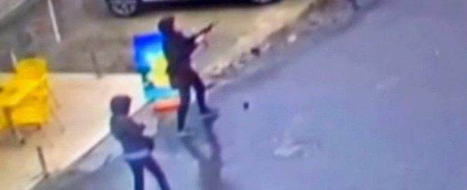 """Turchia, attaccano con granate stazione di polizia: """"Due terroriste uccise a Istanbul"""""""