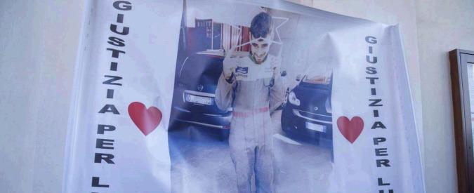 """Luca Varani, a Roma i funerali del 23enne massacrato. Gli amici: """"Ora solo giustizia per quelle belve"""""""