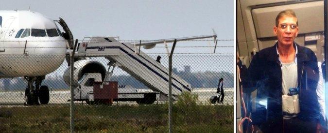 """Volo EgyptAir dirottato, sequestratore si è arreso. Egitto: """"Non è un terrorista"""""""