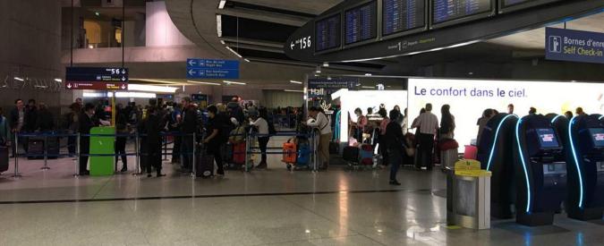Francia, vola da Istanbul a Parigi con una bimba di 4 anni nascosta nel bagaglio a mano
