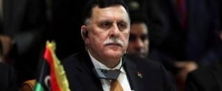 """Libia, l'Occidente piazza il suo premier Al Sarraj a Tripoli. Islamisti fanno appello a milizie: """"Combattetelo"""". Spari in strada"""
