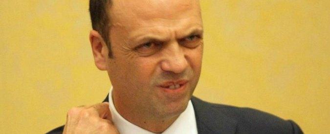 """Adozioni, Alfano: """"No per le coppie gay. Faremo ddl per utero in affitto reato universale"""""""