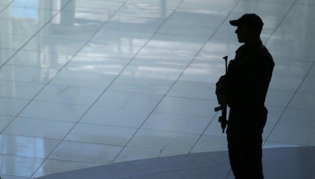 Controlli nei maggiori aeroporti europei dopo attentati Bruxelles