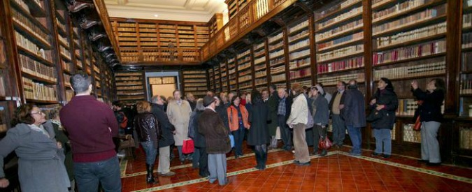 Dell'Utri, l'ex senatore verso il processo per i libri della biblioteca Girolamini: spariti volumi rari di Moro, Vico e Alberti