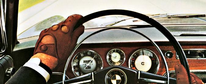 Bmw festeggia i suoi primi cento anni e dalla Mercedes arrivano auguri speciali
