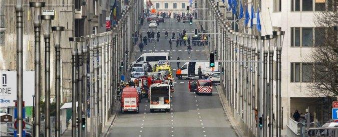 Attentati Bruxelles, allerta in tutta Europa: bloccati voli e treni. Evacuata la stazione di Anversa