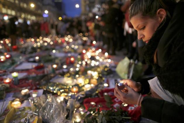 Bruxelles, giorno dopo attacchi: tra controlli e commemorazioni