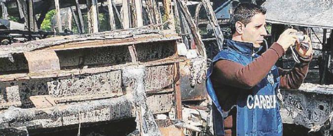 I misteri dei bus in Calabria: attentati, sussidi e riciclaggio. Il servizio pubblico si intreccia con gli interessi dei privati